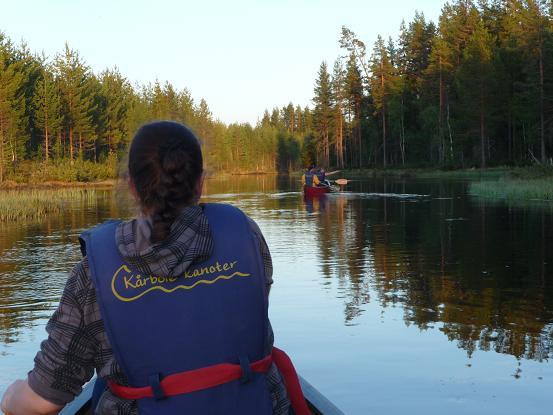 In een kano vlakbij een beverburcht
